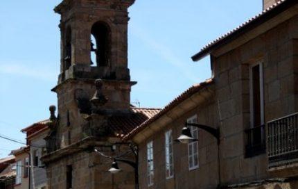 Capela e rúa do Hospital