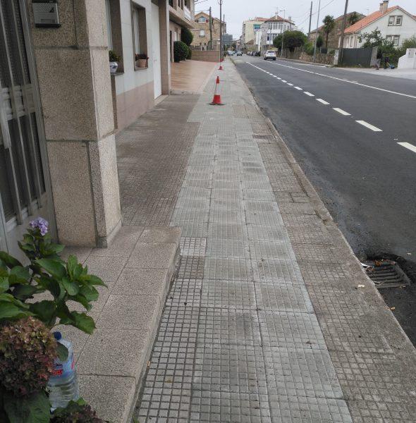 REMATE DAS OBRAS DE MELLORA DA CAPA DE RODADURA NUN TRAMO DA AVDA. DE VILAGARCÍA